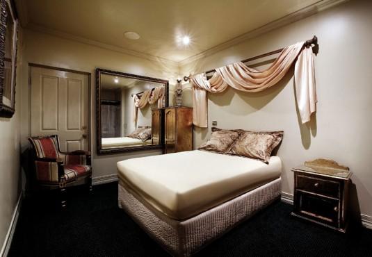 melbourne-brothel-room-4